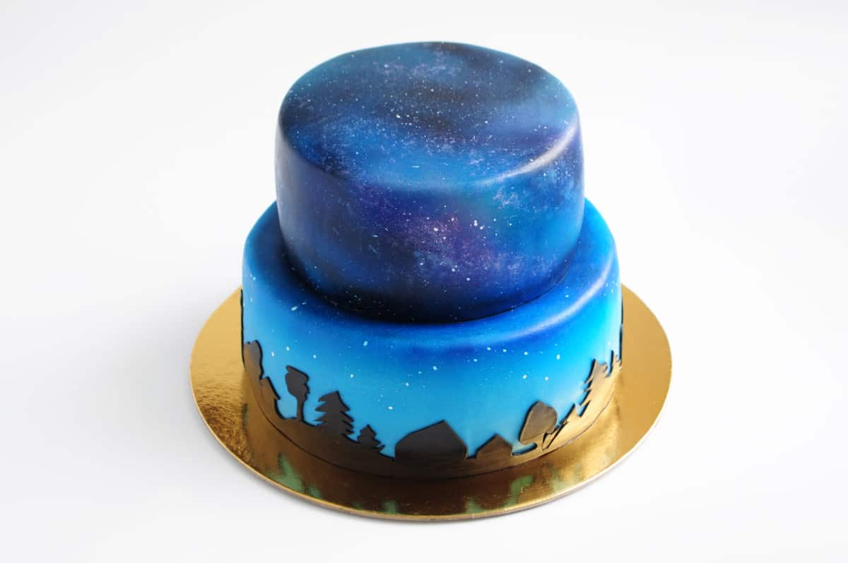 airbrushed blue cake