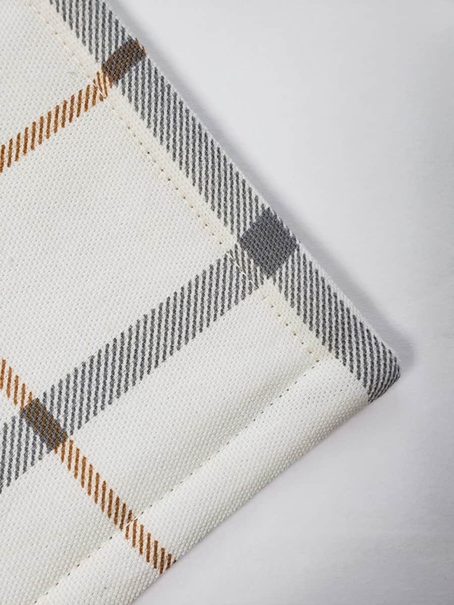padded edges Easy Placemats Sewing Tutorial For Beginners verycreate.com