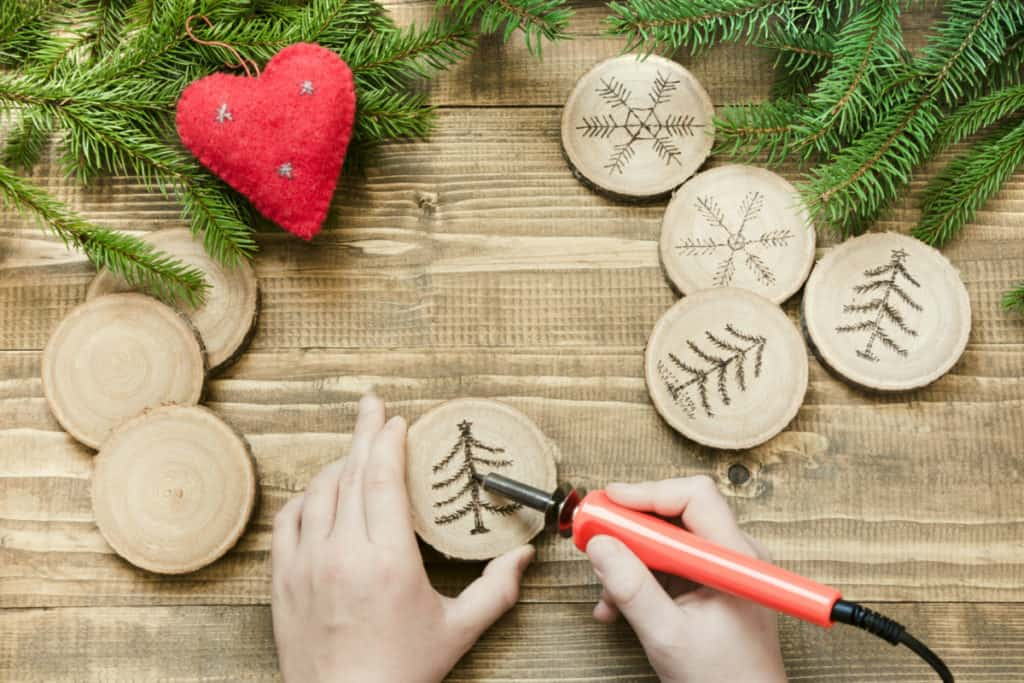 xmas ornaments Best Wood Burning Tool for Pyrography verycreate.com