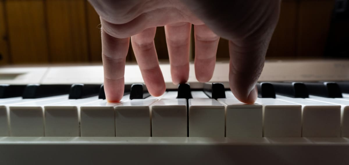 hand on keys can you learn piano on an organ verycreate.com
