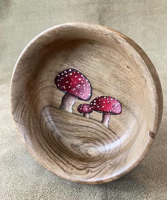 mushroom bowl collaboration John Furniss-The Blind Woodsman and Anni Furniss verycreate.com Creator Spotlight verycreate.com